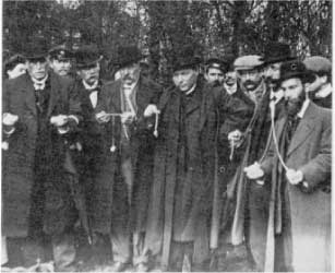 Un congrès de sourciers - 1913